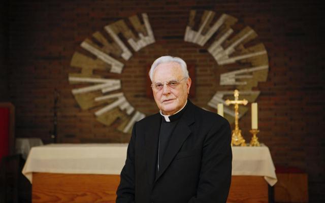 El cardenal emérito de Sevilla, Carlos Amigo Vallejo.| Sergio Enriquez