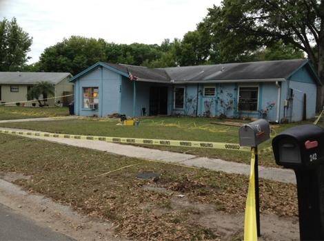 Casa en la que falleció el estadounidense engullido por la Tierra en Florida.   Efe