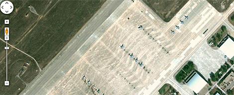 Parte de la Base Aérea de Torrejón en Google Maps.