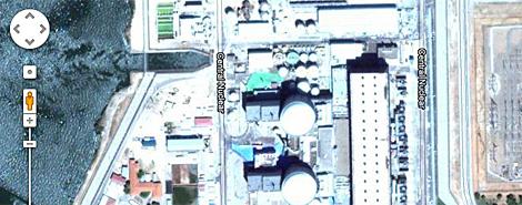 Vista aérea de la central nuclear de Almaraz en Google Maps.
