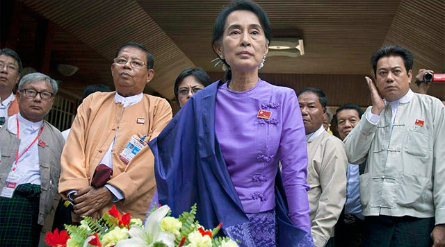Aung San Suu Kyi, tras ser reelegida.   Efe