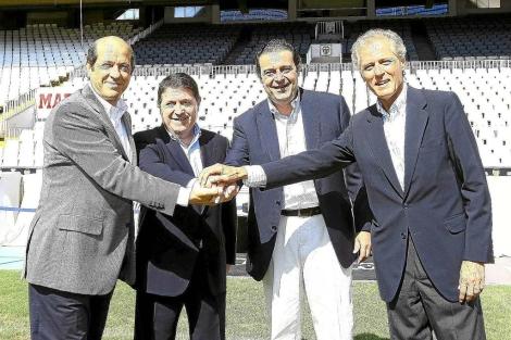 Manuel Llorente, José Luis Olivas, Gerardo Camps y José Carlos de Miguel, tras el acuerdo entre Valencia, Bancaja, Generalitat y la Fundación. | E.M.