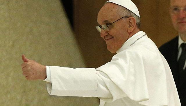 El Papa Francisco ha recibido hoy, en el Aula Pablo VI del Vaticano, a miles de periodistas. | Efe