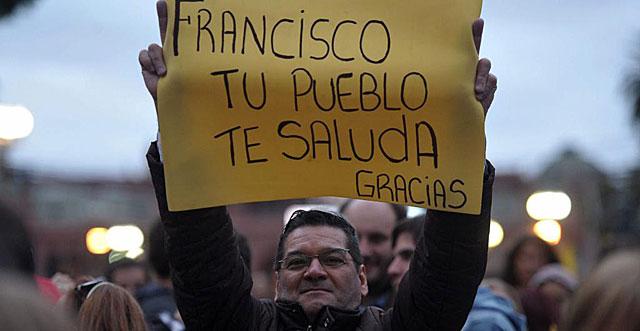 Papa Francisco El Papa Recibe Al Nobel De La Paz Argentino