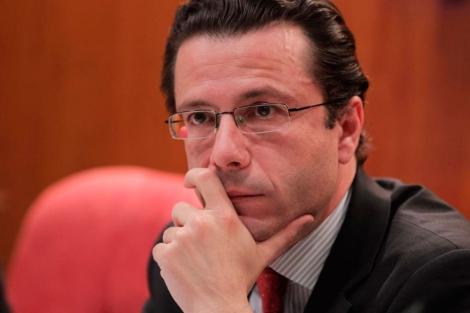 El Consejero de Sanidad, durante su comparecencia. | Paco Toledo