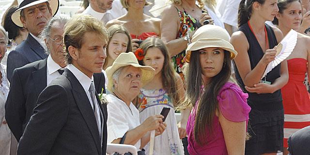 Andrea y su novia, Tatiana Santo Domingo, en la boda de Alberto de Mónaco. | Gtres