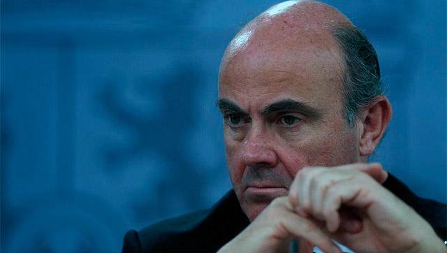 El ministro de Economía, Luis de Guindos. | Javier Barbancho