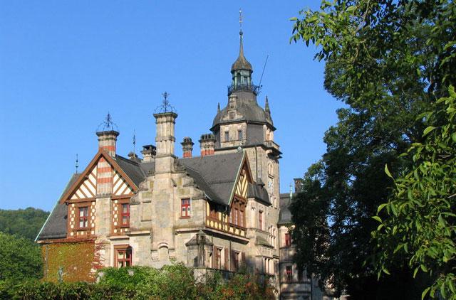 Castillo Ramholz.