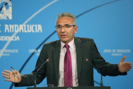 El portavoz del Gobierno, Miguel Ángel Vázquez. | Diego L.