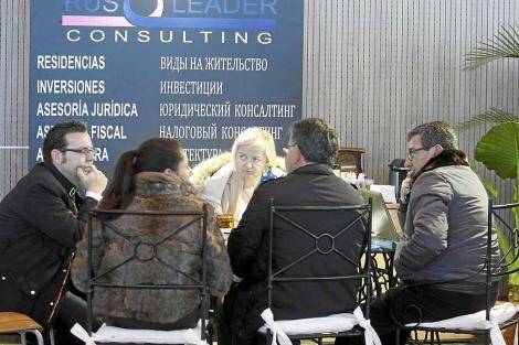 Salón inmobiliario celebrado en noviembre en Torrevieja.   Roberto Pérez
