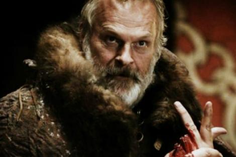 Clive Mantle interpretó a Lord Greatjon en la primera temporada.