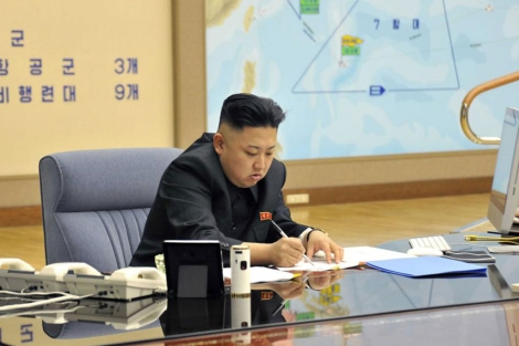 Kim Jong-un, en una imagen difundida el viernes.   Reuters