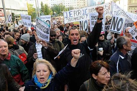 Varios manifestantes en la protesta del 27 de Octubre. | Foto: Afp