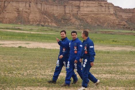Tres de los participantes en la misión simulada. | Juan A. Pérez.