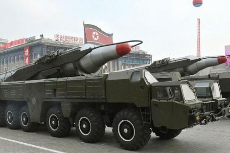 Un misil Musudan durante un desfile militar en Pyongyang. | Efe