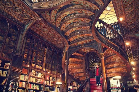 La escalera de la Librería Lello, en Oporto. | Patricia Osuna