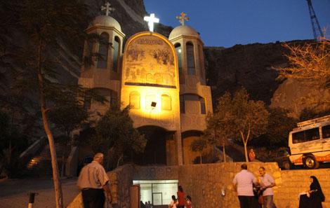 La Iglesia de San Simeón está horadada en la piedra de la montaña de Moqattam. | F.C.