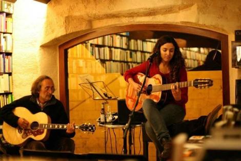 Mariona Forteza y Carlos Garrido durante una actuación.