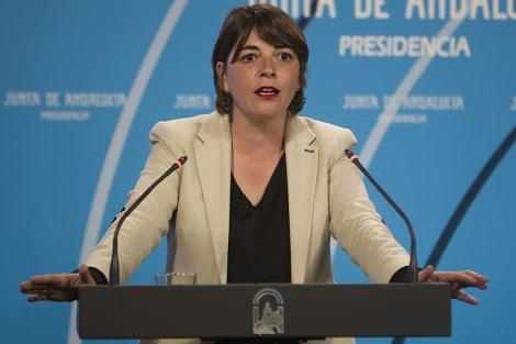 La consejera de Vivienda, Elena Cortés (IU), tras el Consejo de Gobierno. | Efe