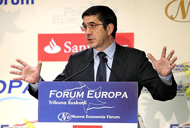 El secretario general del PSE, Patxi López, durante su intervención en el Fórum. | Efe
