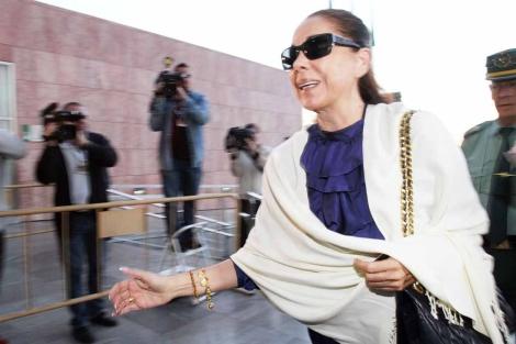 Isabel Pantoja, a su llegada a una de las sesiones del juicio.  ELMUNDO.es