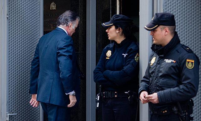 Luis Bárcenas entra en la Audiencia Nacional el pasado lunes para firmar. | Gonzalo Arroyo