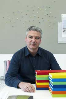 Luis Vidal, en su estudio madrileño.| Antonio Heredia.