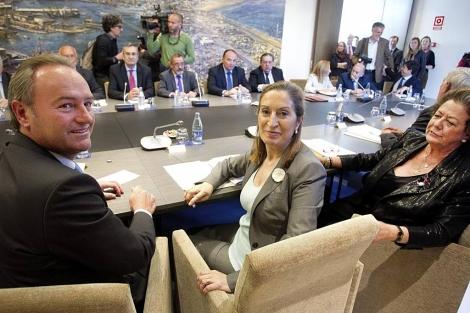 La ministra Ana Pastor, junto a Alberto Fabra y Rita Barberá | B. Pajares