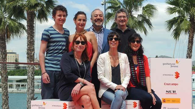El equipo de la película '15 años y un día' en el Muelle Uno de Málaga. | N. Alcalá