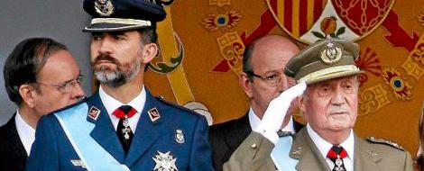 El Príncipe Felipe y el Rey durante la Fiesta Nacional. | J. Barbancho