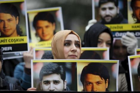 Manifestación para pedir la liberación de dos periodistas turcos detenidos en Siria.