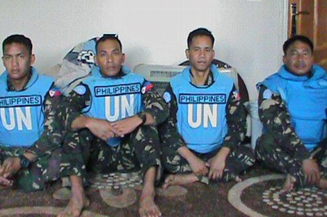 Foto de los cascos azules secuestrados publicada por la Brigada de los Mártiles de Yarmuk.  