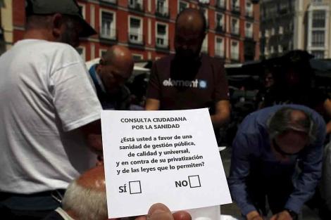Papeleta de la consulta ciudadana por la Sanidad. | Javier Barbancho