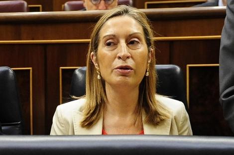Ana Pastor en su asiento del Congreso. | Bernardo Díaz