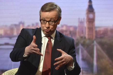 Michael Gove, durante una entrevista en los estudios de la BBC. | Reuters