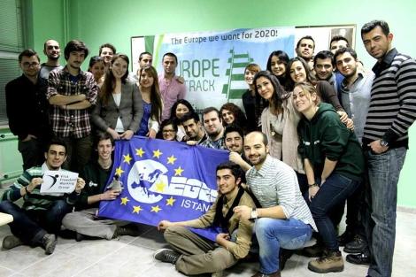 Jóvenes miembros del proyecto 'Europe on track'. | Facebook
