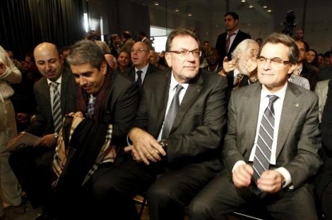 Ziani (izda.), en un acto electoral en noviembre junto a Artur Mas. | Domènec Umbert
