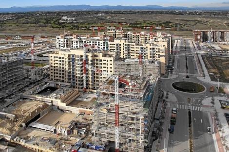 Obras de construcción de edificios de viviendas. | El Mundo