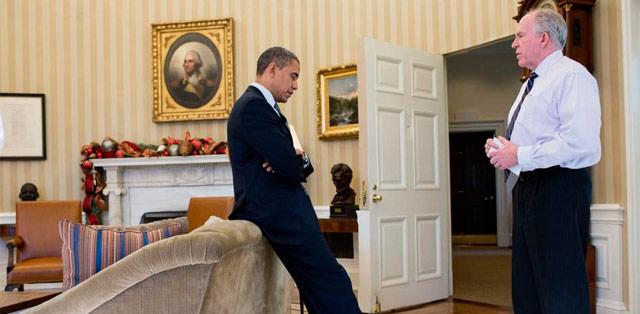 Brennan, reunido con Obama en el despacho oval.   Casa Blanca