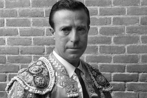 Pepe Luis Vázquez posa en el patio de cuadrillas en Las Ventas en 1959. | Efe