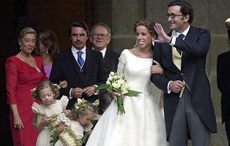Ana Aznar y Alejandro Agag, a la salida de la Iglesia en presencia de Aznar.
