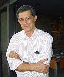 José Villa.