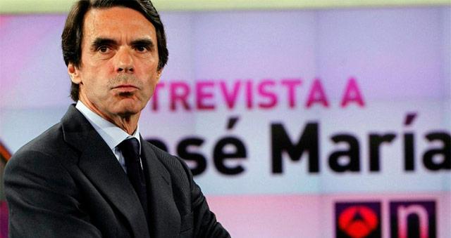 Aznar, antes de la entrevista en Antena 3.   Efe