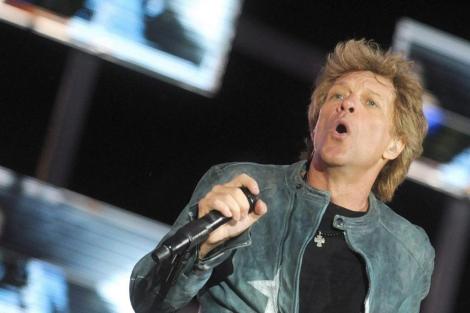 Jon Bon Jovi, durante un concierto de la gira en Viena. | EFE