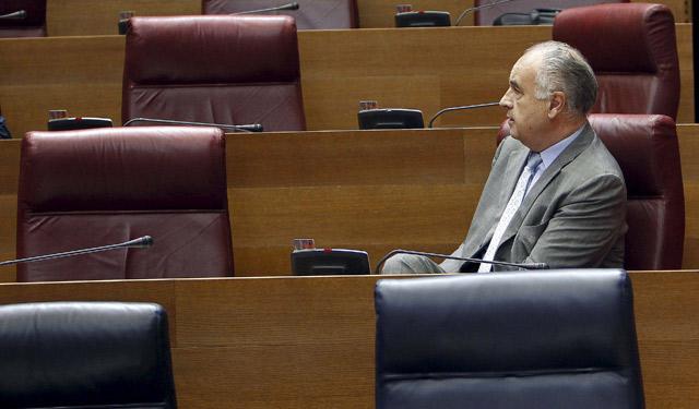 Rafael Blasco, sentado en su escaño de las Cortes Valencianas. | José Cuéllar