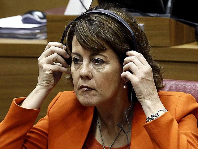 La presidenta del Gobierno de Navarra, Yolanda Barcina , en el hemiciclo del Parlamento foral el pasado abril. | Jesús Diges/ Efe