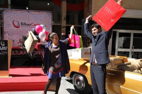 Los modelos bilbaínos Paul de Larrinaga y Maialen Cobero.  E.M.