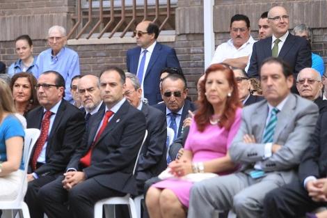 Carlos Domínguez, primero por la derecha, y Carlos Fabra, en una imagen de archivo. | E. T.