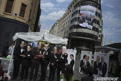 Un momento de la acción de Greenpeace.
