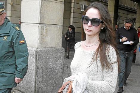 La juez Mercedes Alaya sale de los juzgados de Sevilla. | C.M.